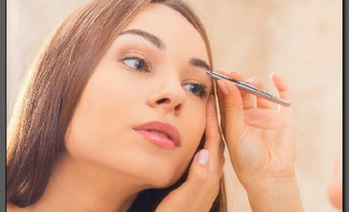 Pluck Eyebrows Properly and Bring Them Into Perfect Shape
